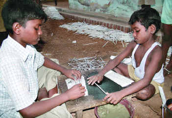 Child-labour-Diwali-crackers